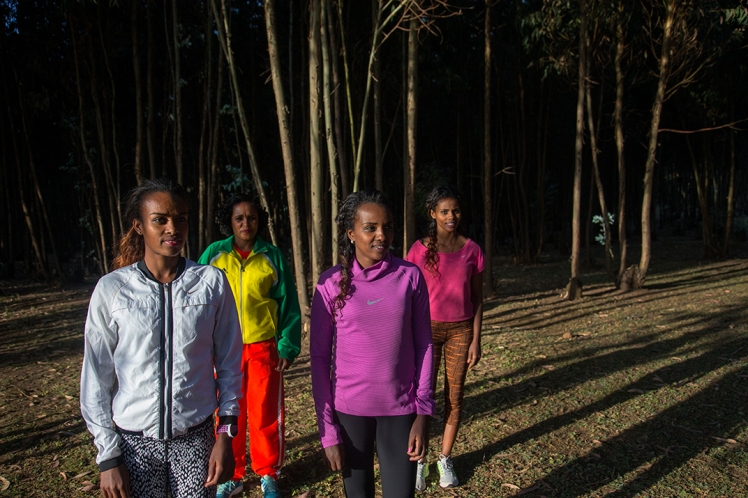 14_RonHaviv905Ethiopia_Runners.jpg
